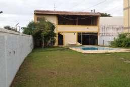 Casa à venda  em Atibaia-SP - Jardim Nova Aclimação REF:12742